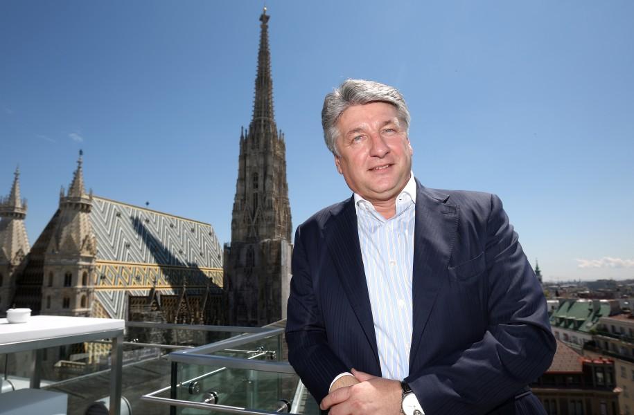 Ronny Pecik Wiener Börse Telekom Kritik