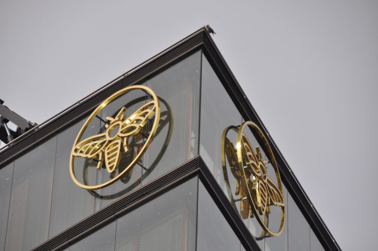Goldene-Biene-Erste-Group