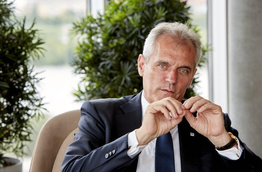 Manager Rainer Seele Gehalt AK